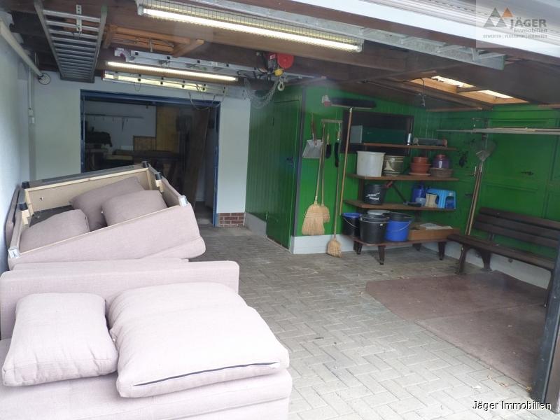 vorgebaute Garage