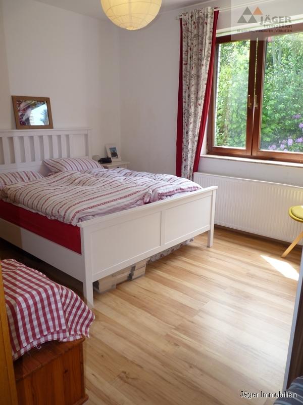 schönes Schlafzimmer EG
